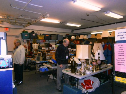 lamps, hardware, sports and recreational items